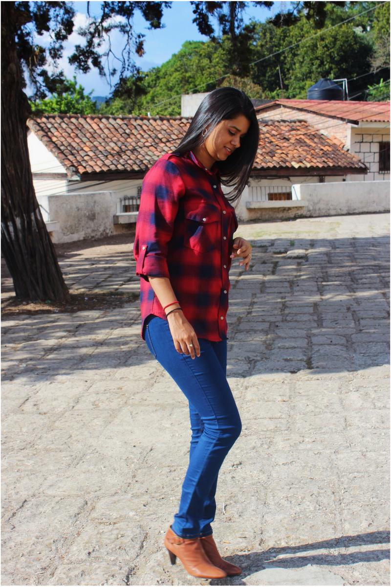 Camisa a cuadros más jeans