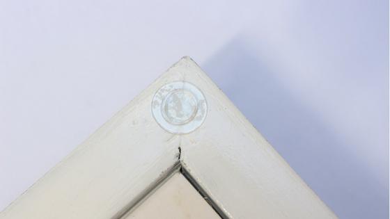 bandeja con espejo de materiales de tu casa