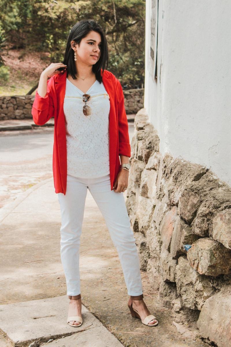 outfit rojo para mujer