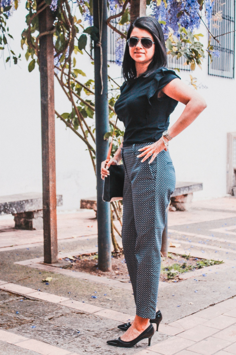 Pantalón de vestir moderno para mujer jóven