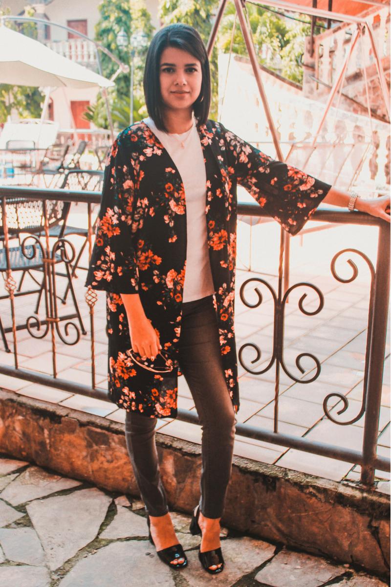 Eleva el estilo de tu outfit con un kimono