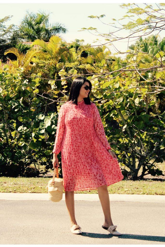 Vestido rosado estilo boho romántico
